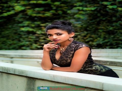 বলিউডের ছবিতে অভিনয় করেছেন বাংলাদেশের মেয়ে সাদিয়া নাবিলা