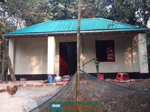 কালিয়াকৈরে গৃহহীন বিধবার জন্য দুইটি ঘর নির্মাণ করে দিলেন পল্লীবিদ্যুৎ