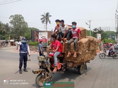ঝিনাইদহ ট্রাফিক অফিসের অভিযান-