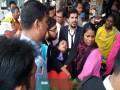 নারায়ণগঞ্জ আদালত প্রাঙ্গনে আইনজীবী স্ত্রীকে পেটাল পুলিশ স্বামী